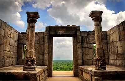 Polonnaruwa Sri Lanka Tours